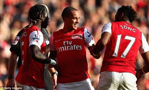 Arsenal vẫn là số 1 tại Bắc London