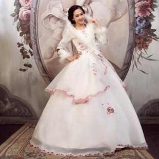 Mix trang phục cưới ngày đầu xuân - ảnh 2