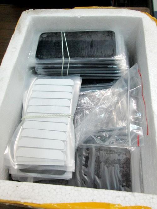 Hàng trăm chiếc Iphone lậu bị bắt ở Hà Nội - ảnh 6