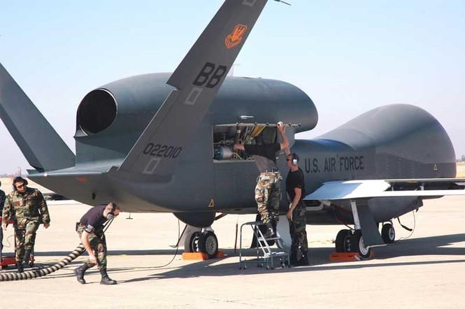 Nhật sẽ mua máy bay không người lái RQ-4 Global Hawk của Mỹ