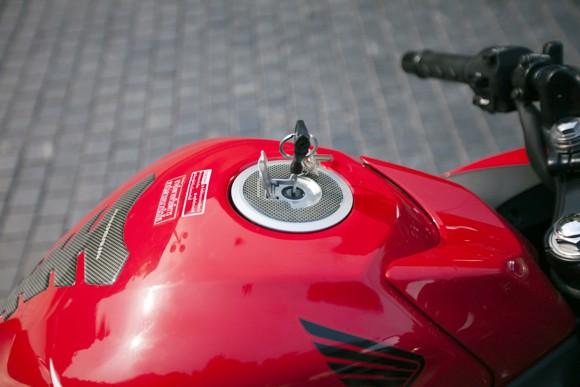 Honda CBR150R 2011: Xe đua 150cc mạnh mẽ - ảnh 11