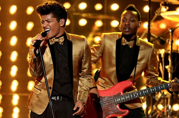 Bruno Mars mang đến không khí những năm 50 với ca khúc
