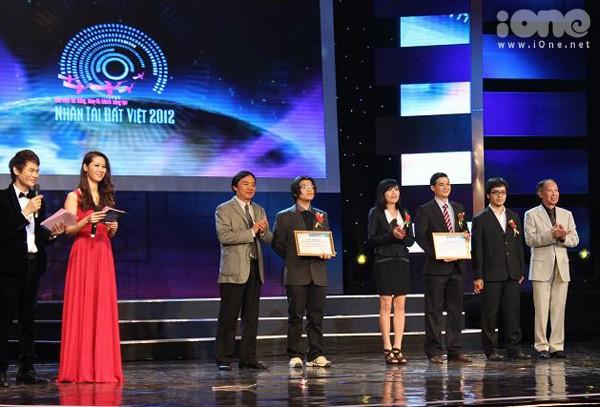 Nam sinh lớp 11 được vinh danh tại 'Nhân tài Đất Việt'