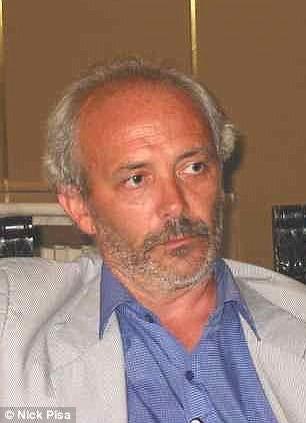 Ông Narcisio Buffoni, 60 tuổi, thị trưởng của Montignoso, thuộc Massa Carrara, tỉnh Tuscany