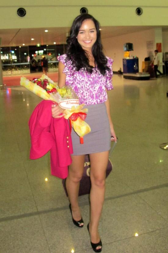 Victoria Thúy Vy bay sang Anh thi Hoa hậu thế giới - ảnh 3