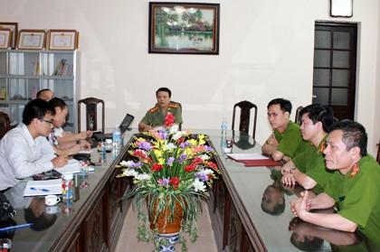 Lãnh đạo công an huyện Kiến Xương trong buổi làm việc với PV ngày 174