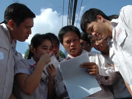 Địa chỉ nào cung cấp những thông tin chính xác nhất về kỳ thi tốt nghiệp THPT? (Ảnh: Đặng Sinh)