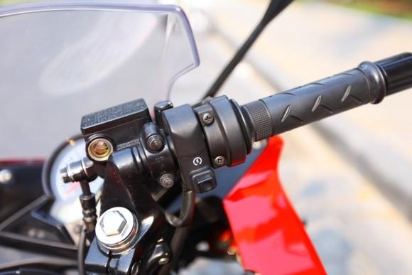 Honda CBR150R 2011: Xe đua 150cc mạnh mẽ - ảnh 16