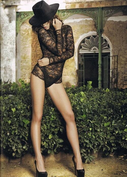 Vẻ đẹp siêu gợi cảm của Liliana Matthaus - ảnh 4