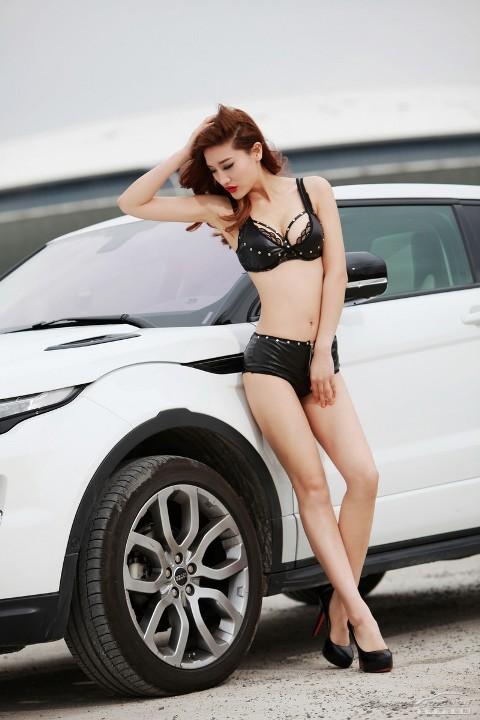 Chân dài cực nóng bên Range Rover Evoque (Phần II) - ảnh 5