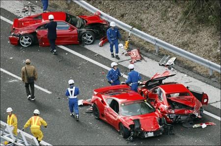 Mười người bị phạt trong vụ tai nạn đắt giá nhất - ảnh 1