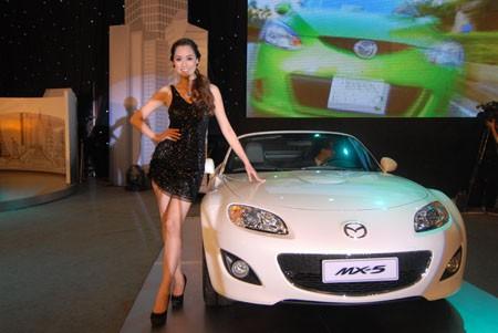 Mẫu xe Mazda MX-5 được nhiều người quan tâm