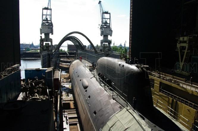 Tàu ngầm nguyên tử đa nhiệm lớp Yasen 885