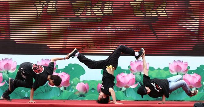 Các bài thi thể hiện sự kết hợp khéo léo giữa thành viên trong đội