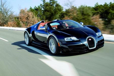 Siêu mui trần Bugatti Veyron Vitesse phô diễn sức mạnh - ảnh 2