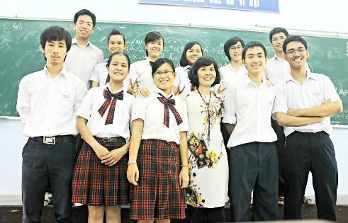 Thái Chân cùng các bạn trong lớp