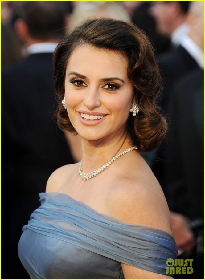 Dàn sao 'bự' đổ bộ thảm đỏ Oscar 2012 - ảnh 25