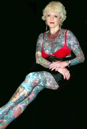 Cơ thể bà Isobel Varley đầy hình xăm