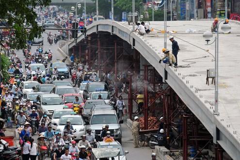 'Mục sở thị' cầu vượt lắp ghép đầu tiên ở thủ đô - ảnh 9