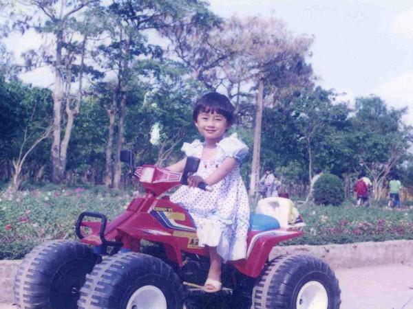 Cô bé này từ nhỏ đã rất cá tính
