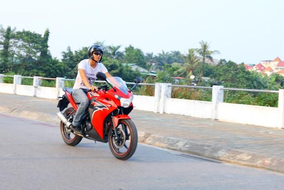 Honda CBR150R 2011: Xe đua 150cc mạnh mẽ - ảnh 20