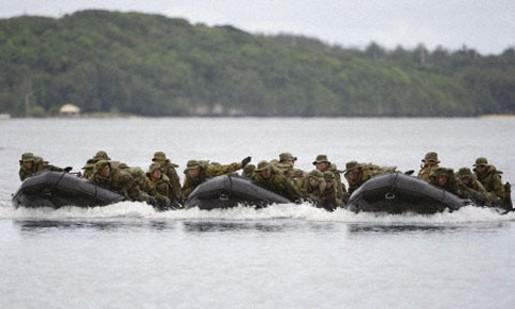 Binh lính Mỹ, Nhật tập trận đổ bộ
