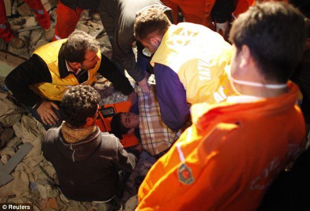 Thổ Nhĩ Kỳ dốc sức tìm kiếm các nạn nhân - ảnh 5