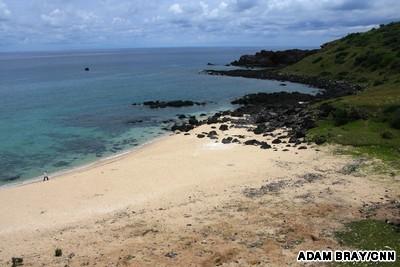 Hình ảnh hòn đảo Phú Quý nguyên sơ nhưng thu hút đông khách du lịch