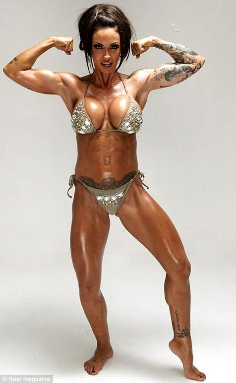 Jodie Marsh khoe cơ bắp trên tạp chí Heat