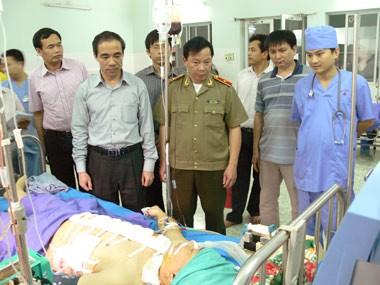 Anh Nguyễn Mạnh Dũng khi đang điều trị tại BV đa khoa tỉnh Tuyên Quang. Ảnh: Báo Tuyên Quang