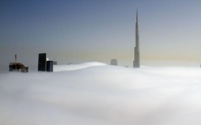 Thành phố Dubai chìm đắm trong sương mù - ảnh 1
