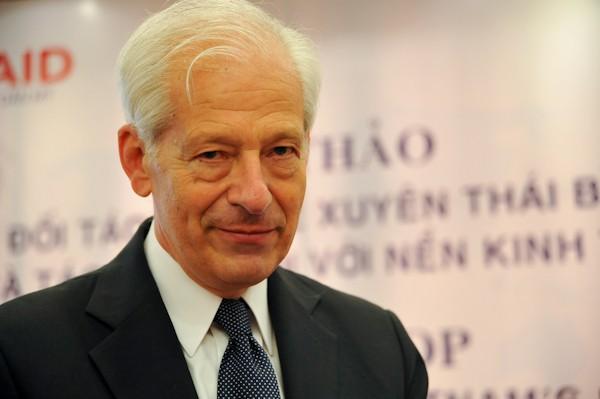 Giáo sư Peter A.Petri, Đại học Brandeis