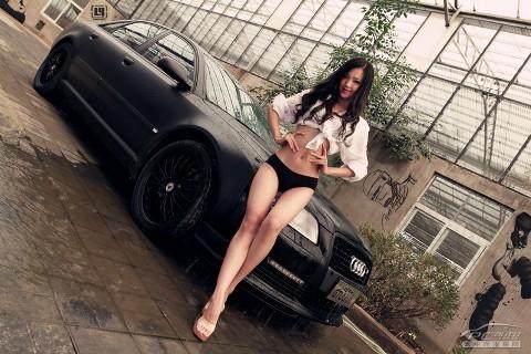 Mỹ nữ quyến rũ bên Audi A8L - ảnh 5