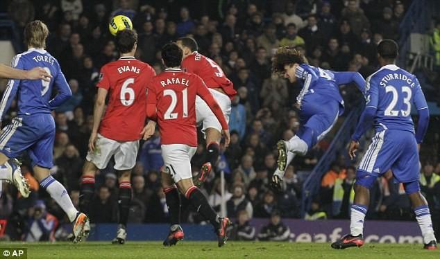 David Luiz ghi bàn cho Chelsea