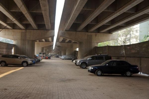 Sở GTVT làm ngơ bãi đỗ xe dưới gầm cầu - ảnh 8