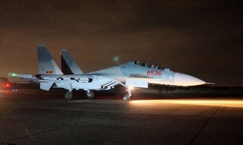 Máy bay Su 30 MK2 chuẩn bị cất cánh - Ảnh: Bạch Dương