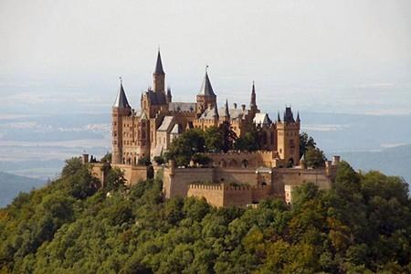 Những tòa địa ốc hút khách bậc nhất thế giới - ảnh 5
