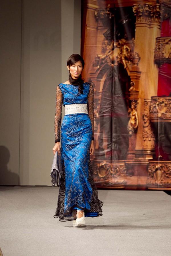 Hoàng Thùy lọt mắt xanh 'cha đẻ' Couture Fashion Week - ảnh 7