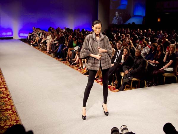 Hoàng Thùy lọt mắt xanh 'cha đẻ' Couture Fashion Week - ảnh 3