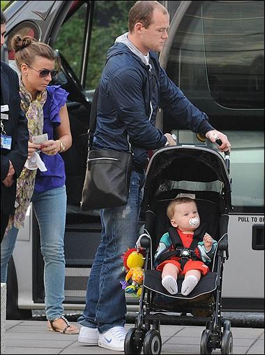 Rooney đưa vợ con đi nghỉ xả hơi - ảnh 3