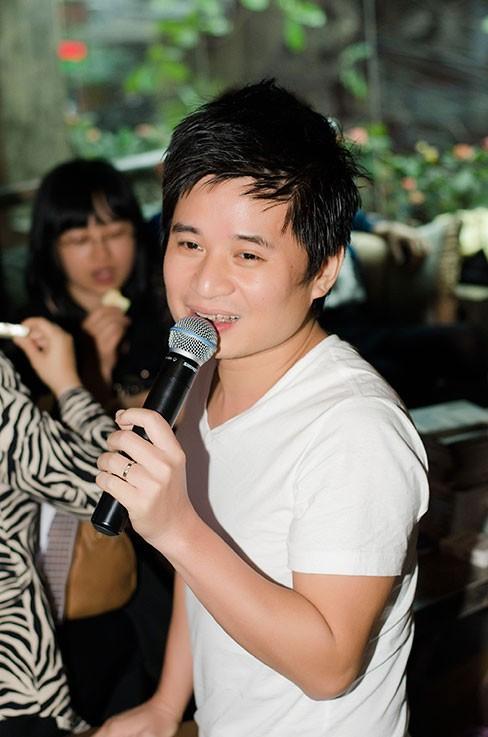 Ca sĩ Tấn Minh - người hướng dẫn Việt Anh trong cuộc thi Sao Mai, đã rất khen ngợi chàng ca sĩ này