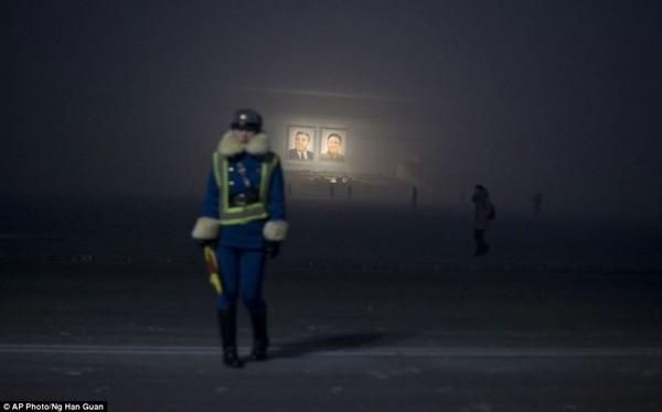 Nữ cảnh sát giao thông tại Bình Nhưỡng
