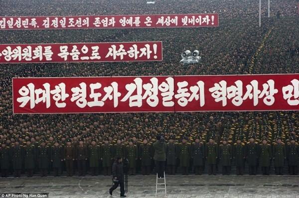 Màn diễu binh chào mừng sự kiện phóng tên lửa thành công vào tháng 12 vừa qua