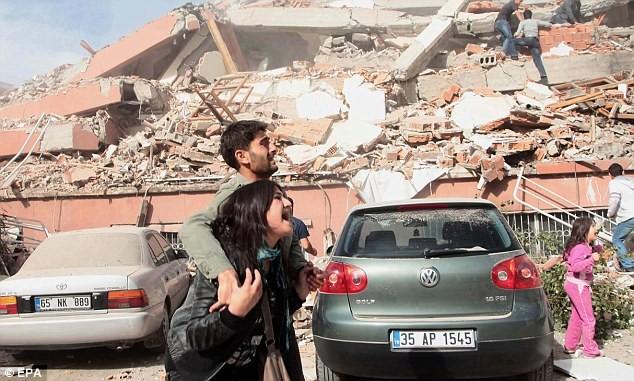 Thổ Nhĩ Kỳ dốc sức tìm kiếm các nạn nhân - ảnh 10