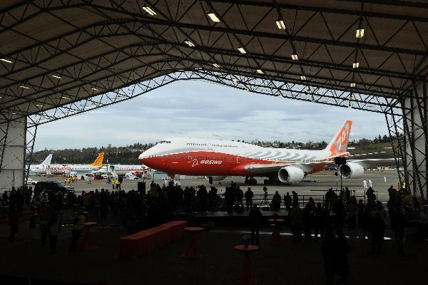 Chiếc Boeing 747-8 có buổi ra mắt chính thức vào chiều 20 – 3 tại Seatle, bang Washington, Mỹ