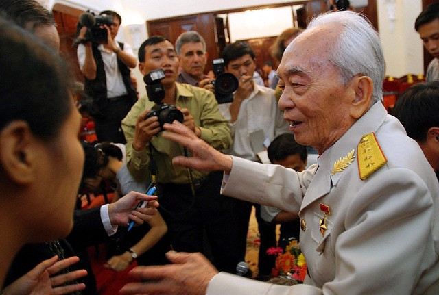 10 bức ảnh đẹp ấn tượng của Đại tướng Võ Nguyên Giáp - ảnh 9