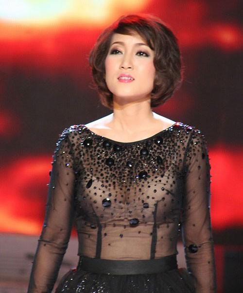 Sao Việt: Mốt áo mỏng khoe ngực khủng - ảnh 2