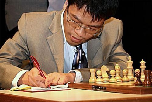 Lê Quang Liêm tại giải Festival Gibraltar Chess 2012 - Ảnh: picasaweb.com
