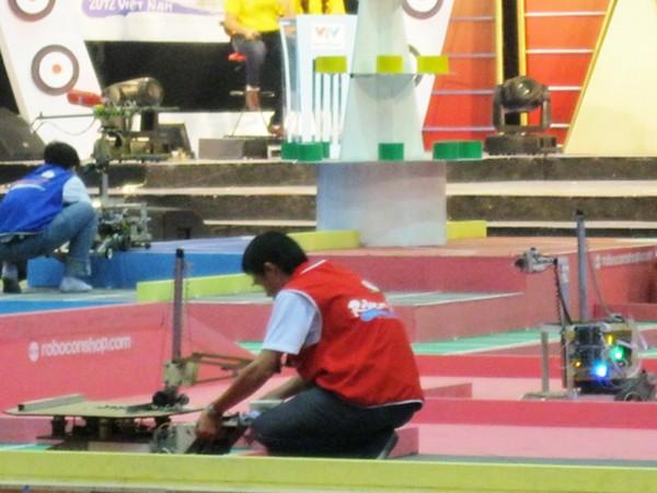 Các đội thi robocon tranh tài ở vòng loại khu vực
