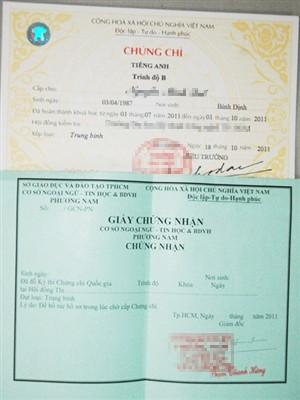 Biên lai thu tiền mua chứng chỉ do Thắng cấp. Ảnh: Quang Phương